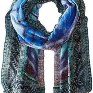 Prana sofka scarf